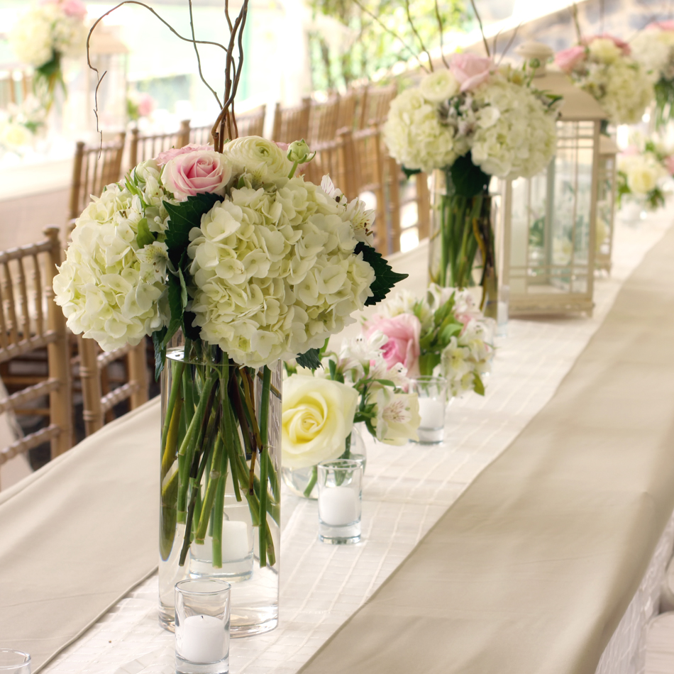 Florists: The Flower Bar at Drew Manor