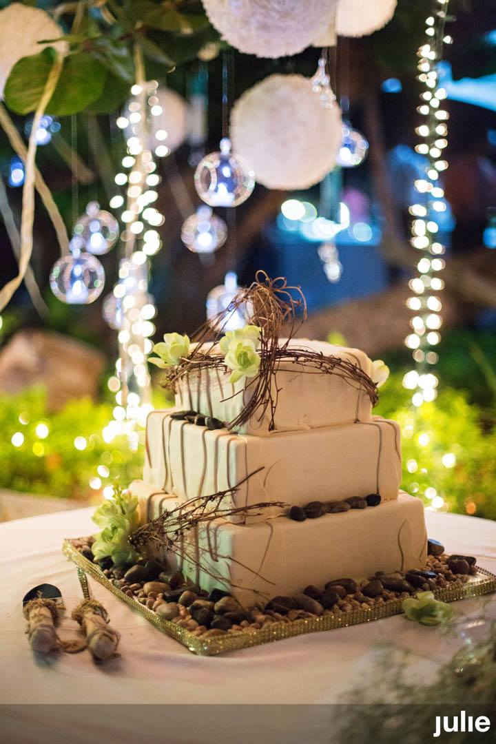 wedding cake, 2017, adrianaweddings.com