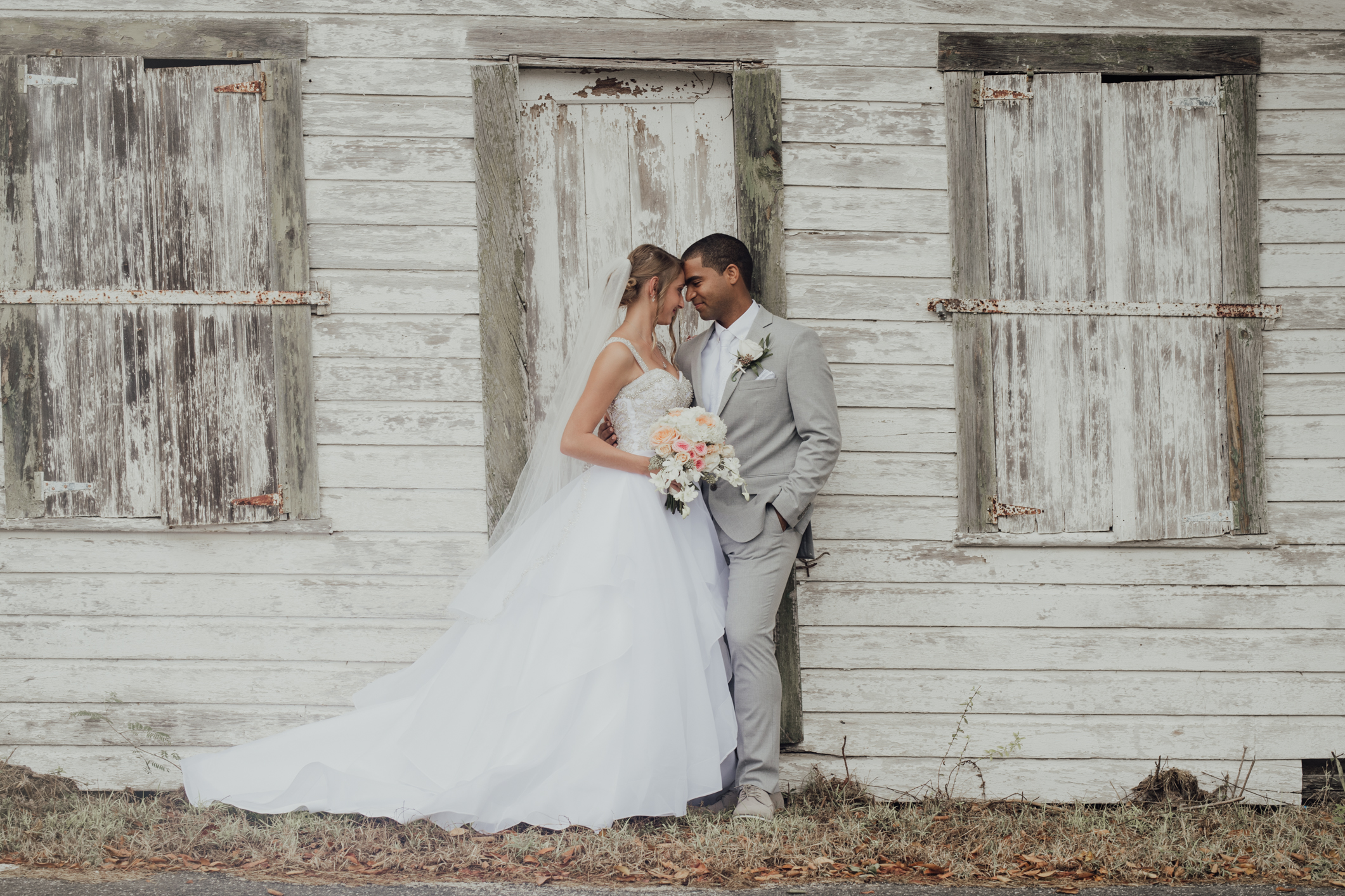 Cool and Modern Bridal Bliss In The Cayman Islands, Photography by Rebecca Davidson Photography for www.adrianaweddings.com