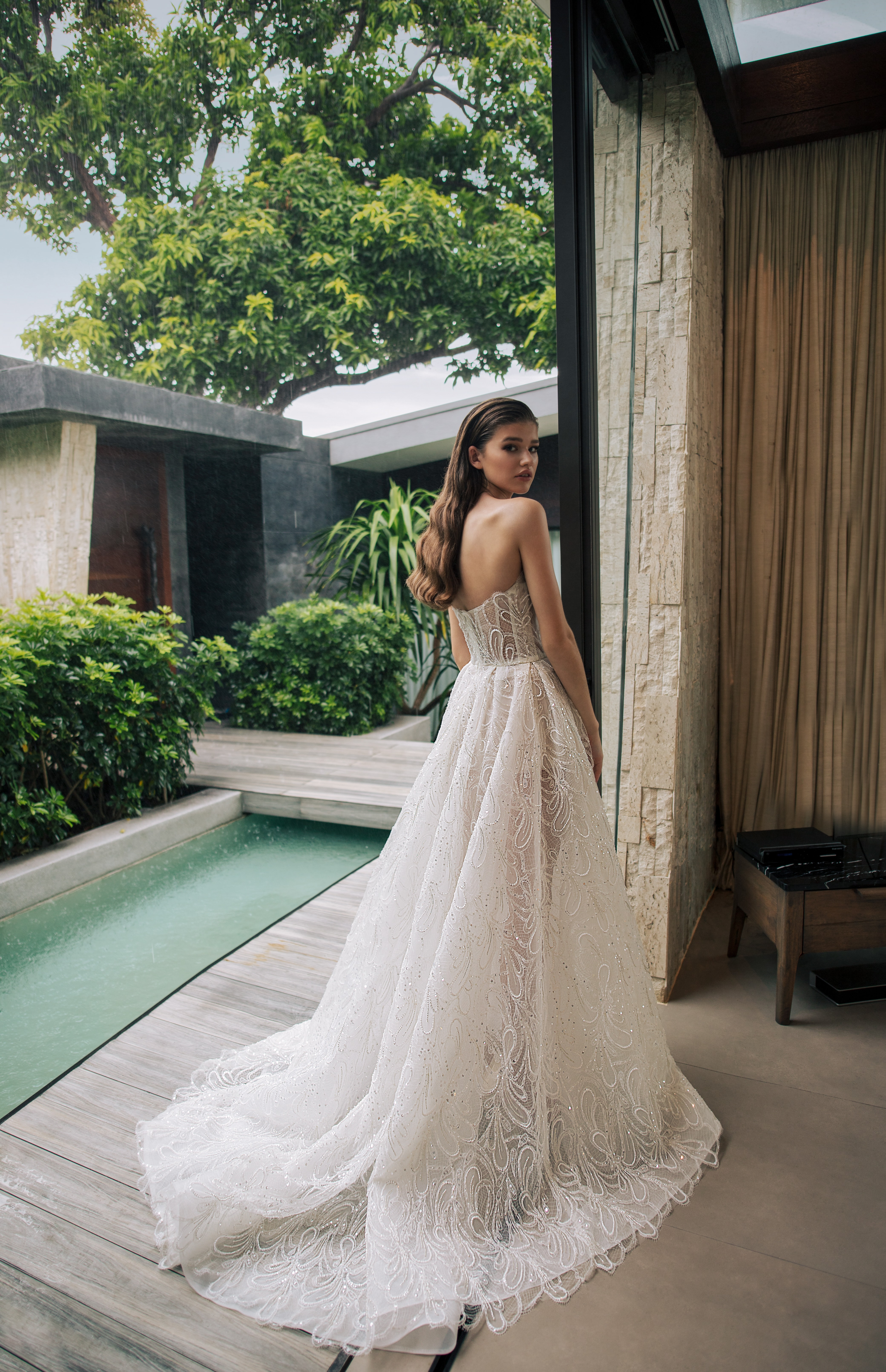 Modern Sophisticated Bride, With Nicole + Felicia Couture