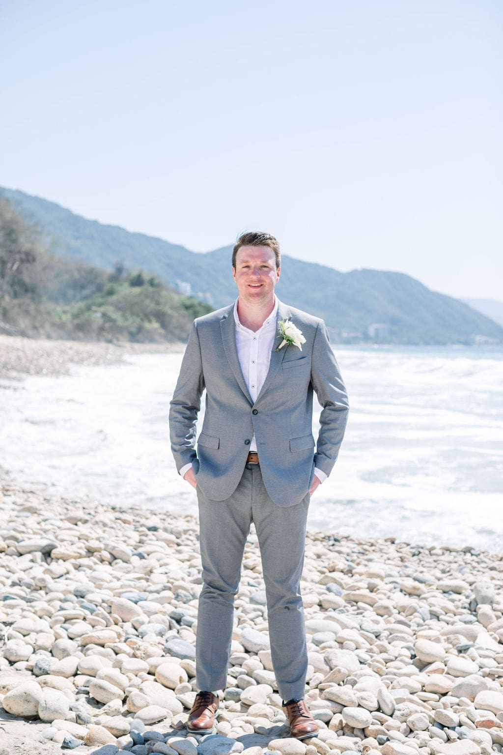Mexican Destination Wedding With Green, Blush & Gold Tones, Photography by Jess Leigh Photographer for Destination Wedding Blog Adriana Weddings
