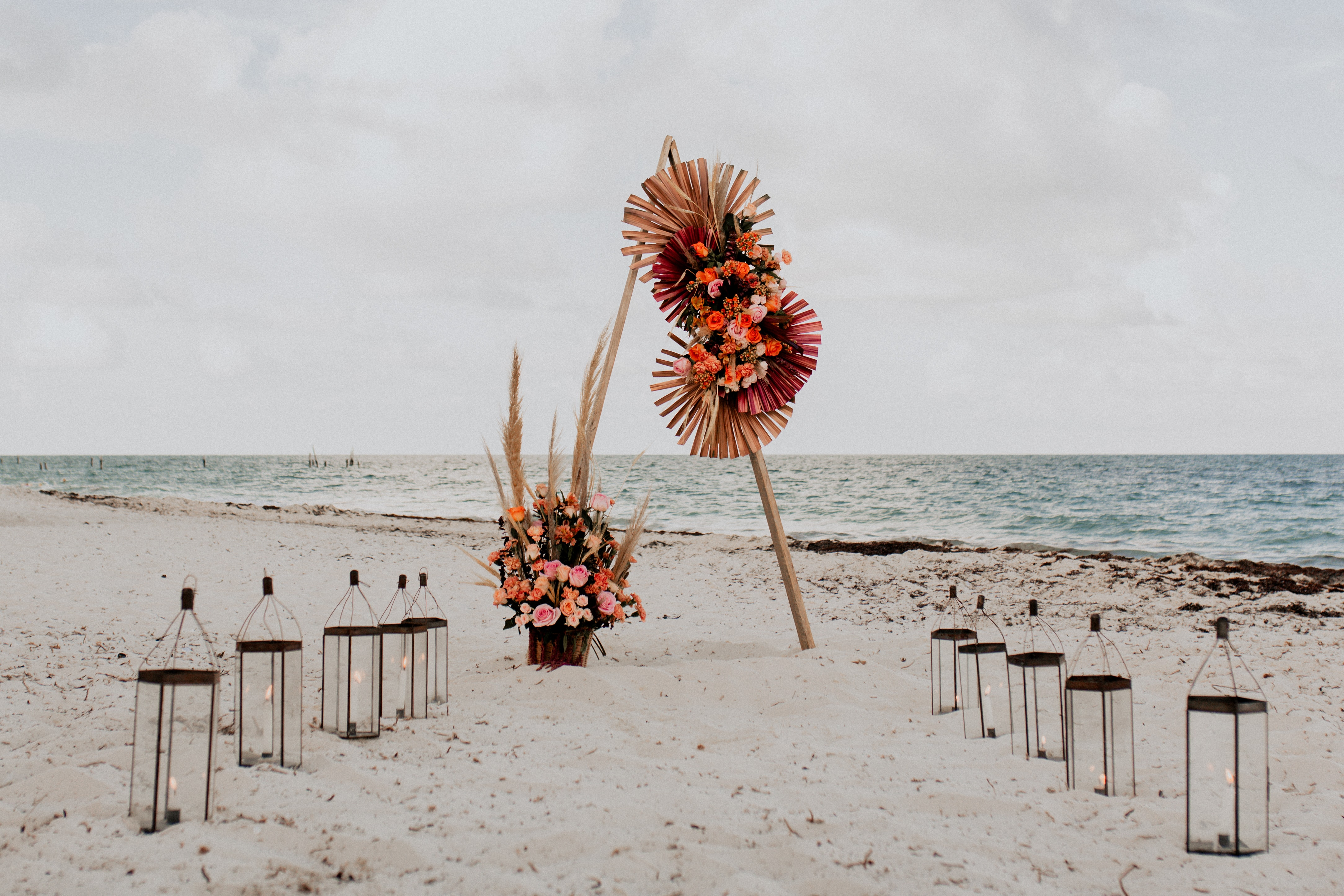Stylish Elopement Shoot Inspiration for the Bohemian Bride, Planning & Design by Nabia Weddings & Events, for Mexico wedding blog Adriana Weddings